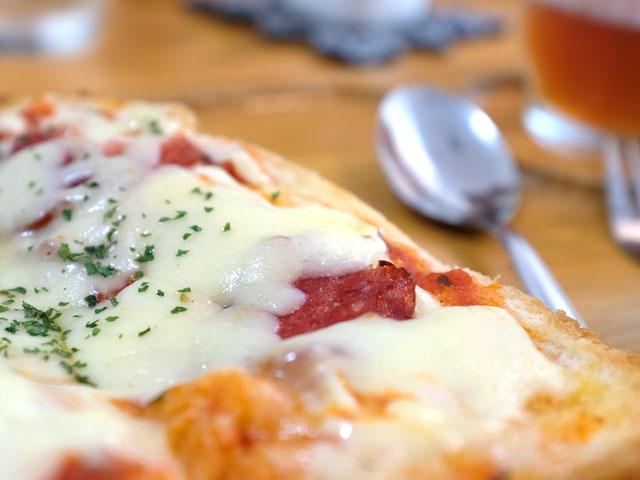 X100Fで撮影したピザトースト