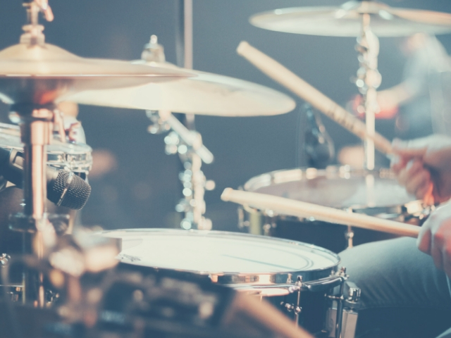 大人に人気の楽器ドラム