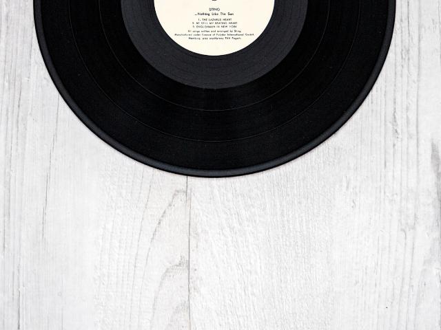レコード会社から販売されたレコード