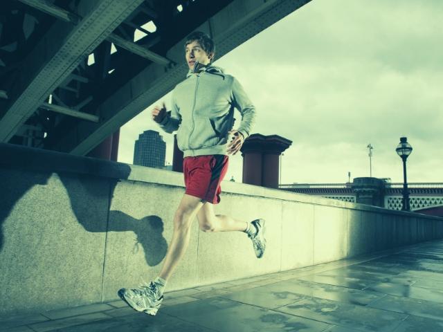 ジョギングを始めて1ヶ月経った男性