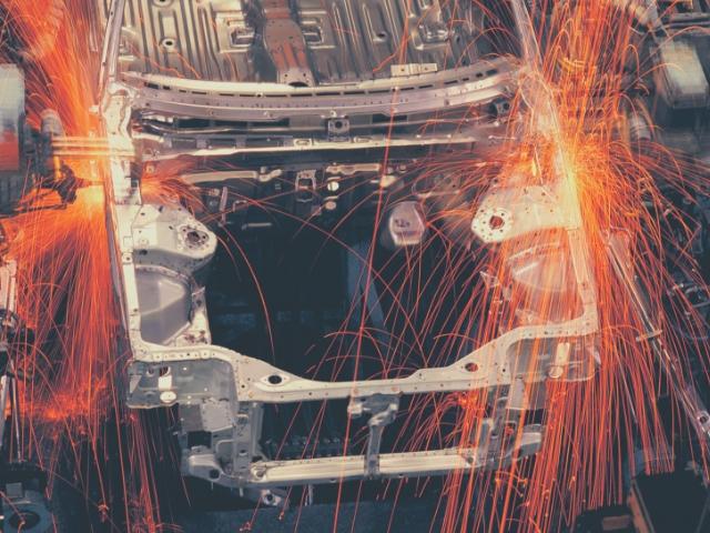 ロボット化の進む工場
